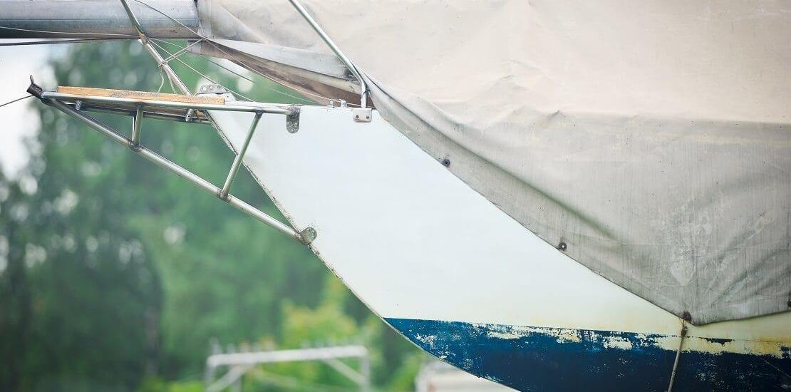 Einlagerung des Segelbootes