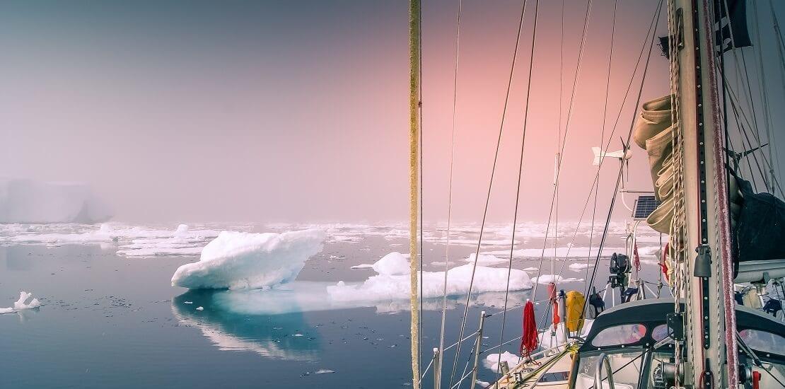 Nichts als Eis: Tipps für das Segeln in der Arktis