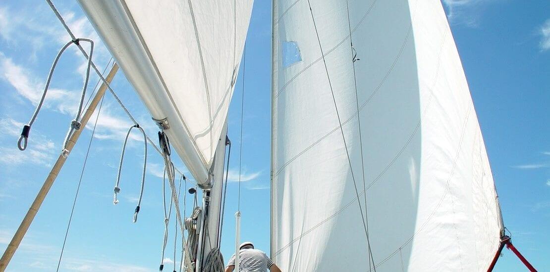 Vorsicht ist besser als Nachsicht: Überprüfung des Riggs am Segelboot