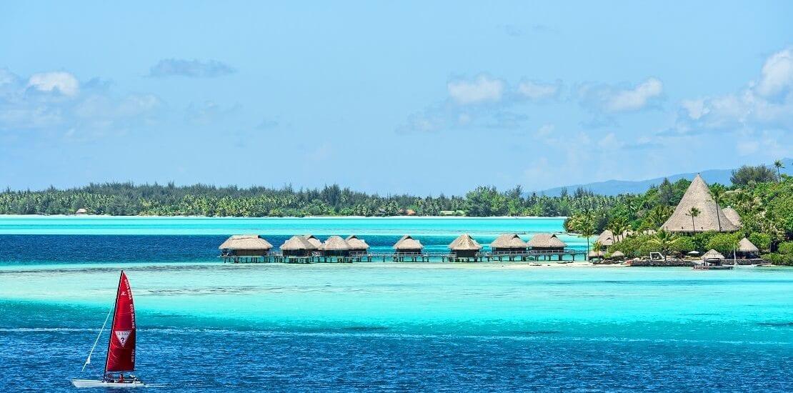 Paradiesischer Segeltörn – Segeln bei Bora Bora