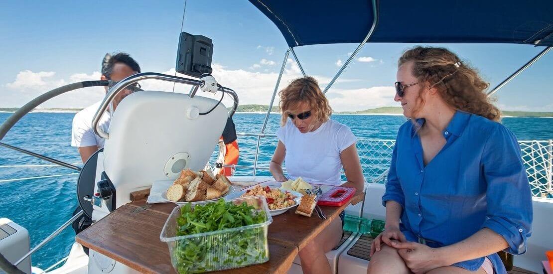 Kochen an Bord: Den Löffel in der Kombüse schwingen
