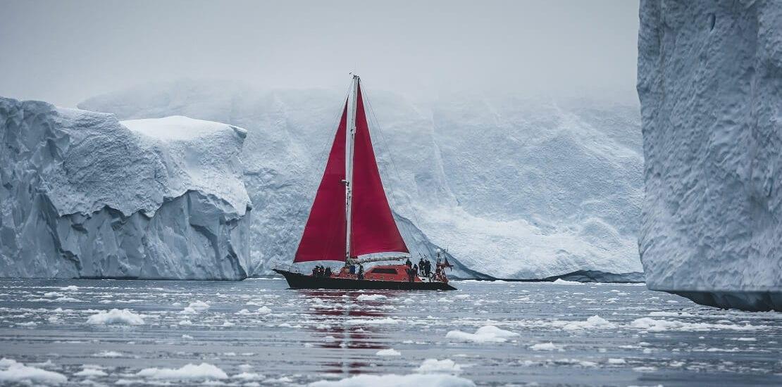 Segeln zwischen Gletschern in Ostgrönland