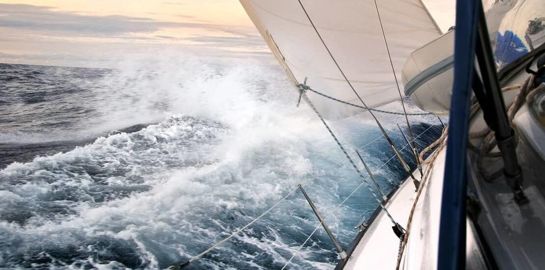Der Mistral und seine Gefahren für Segler im Mittelmeer