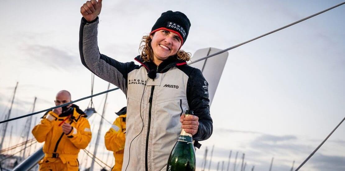 Vendée Globe: Erste Skipperin mit Rekordzeit im Zielhafen eingelaufen