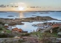 """Segeln ohne Dunkelheit in Schwedens """"Midsommar"""""""
