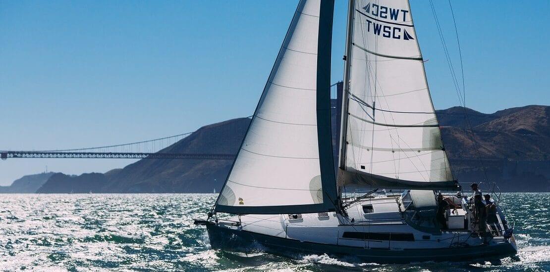 Bug, Lee, Backbord – Die wichtigsten Begriffe im Segelsport