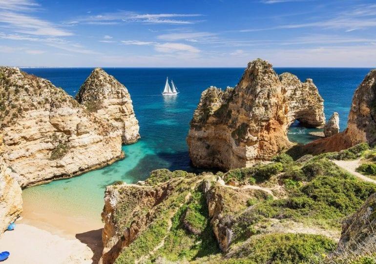 Die Algarve: Segeln an der sonnenreichsten Küste Europas