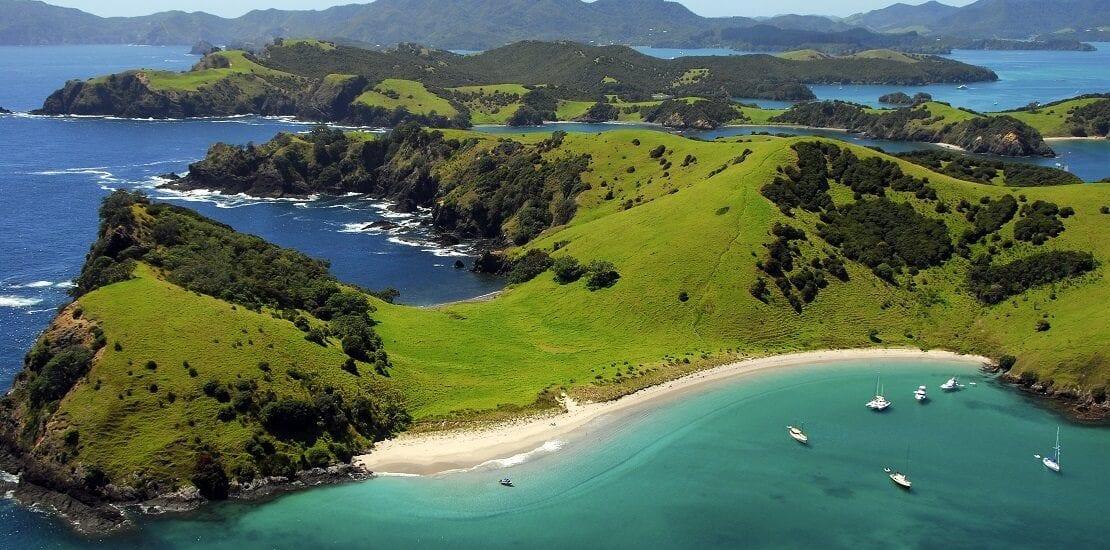 Segeln zwischen hunderten Inseln vor der Bay of Islands