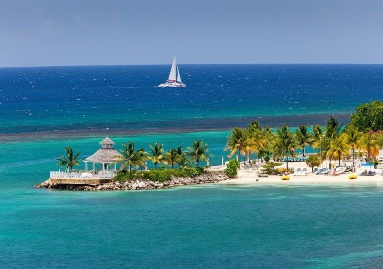 Jamaika: Himmlische Segelerlebnisse unter karibischer Sonne