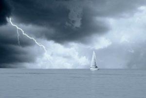 Wie sich Segler vor Unwettern schützen können