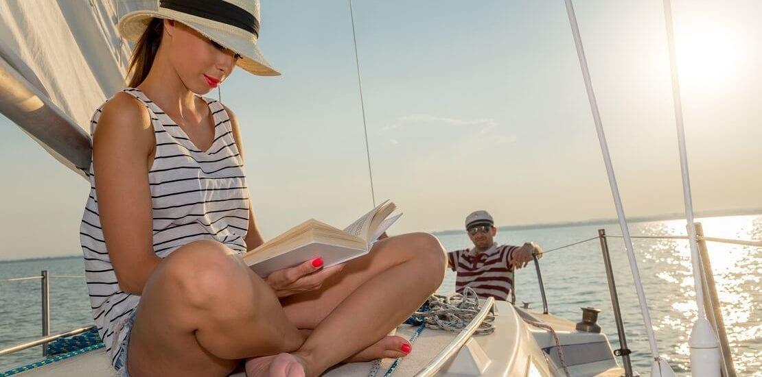 Spannende Segelbücher für die Pause auf dem Boot