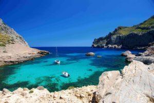 Segeln zu den entlegensten Orten – 3 der schönsten Inseln für einen Törn