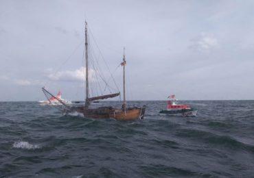 Hubschrauber-Einsatz: Solo-Segler von sinkendem Segelboot gerettet