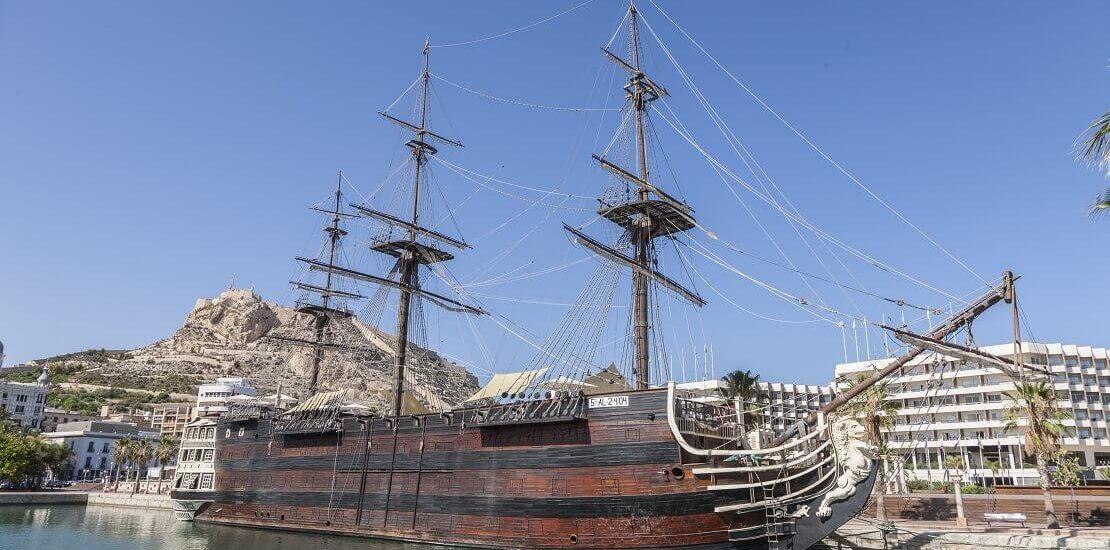 Santisima Trinidad: Größtes Kriegsschiff und Stolz der spanischen Marine