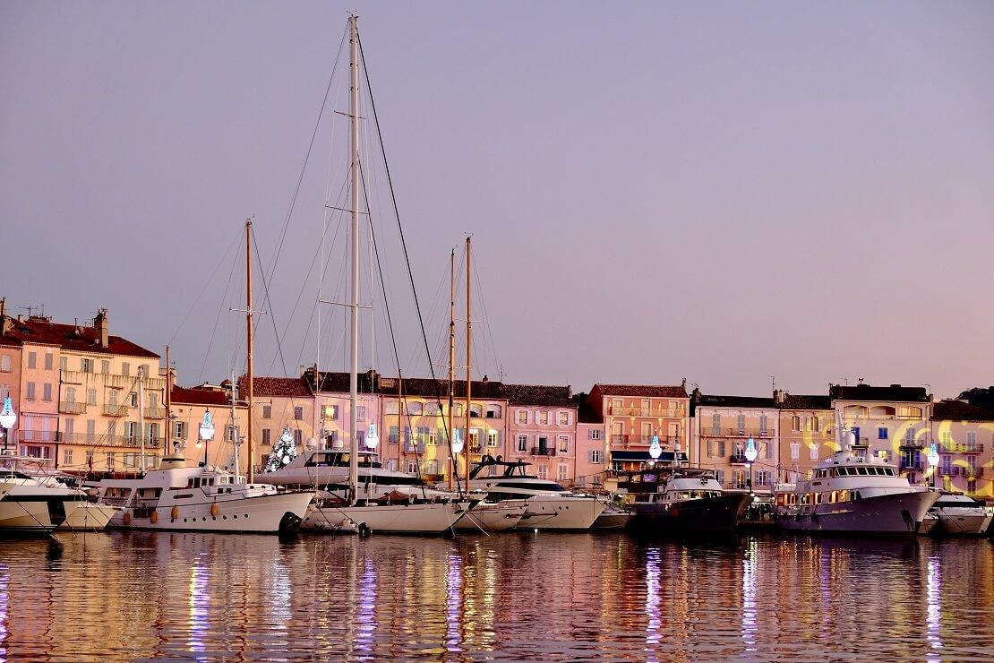 Saint Tropez Hafen im Abendlicht
